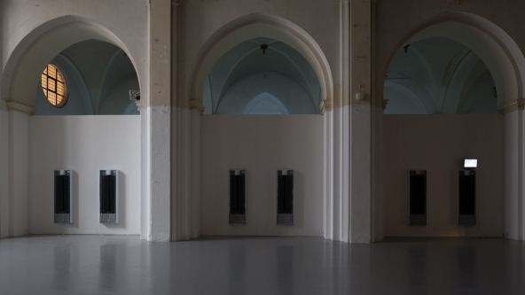 """TRUST - The Temple Nikolaj Kunsthal: Jessica Baxter: """"Do Not Feed The Artists. They Have Already Too Much To Digest"""", 2015. Installationsview. Photo: Torben Eskerod"""