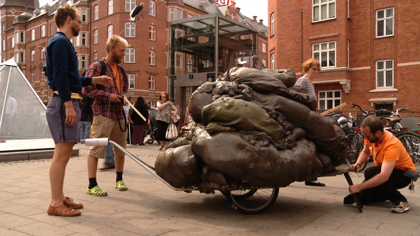 Parfyme, Most People Don't Know Shit About Amager, foto: Still fra filmen ArtReach af Søren Christensen, CYRK Productions ApS